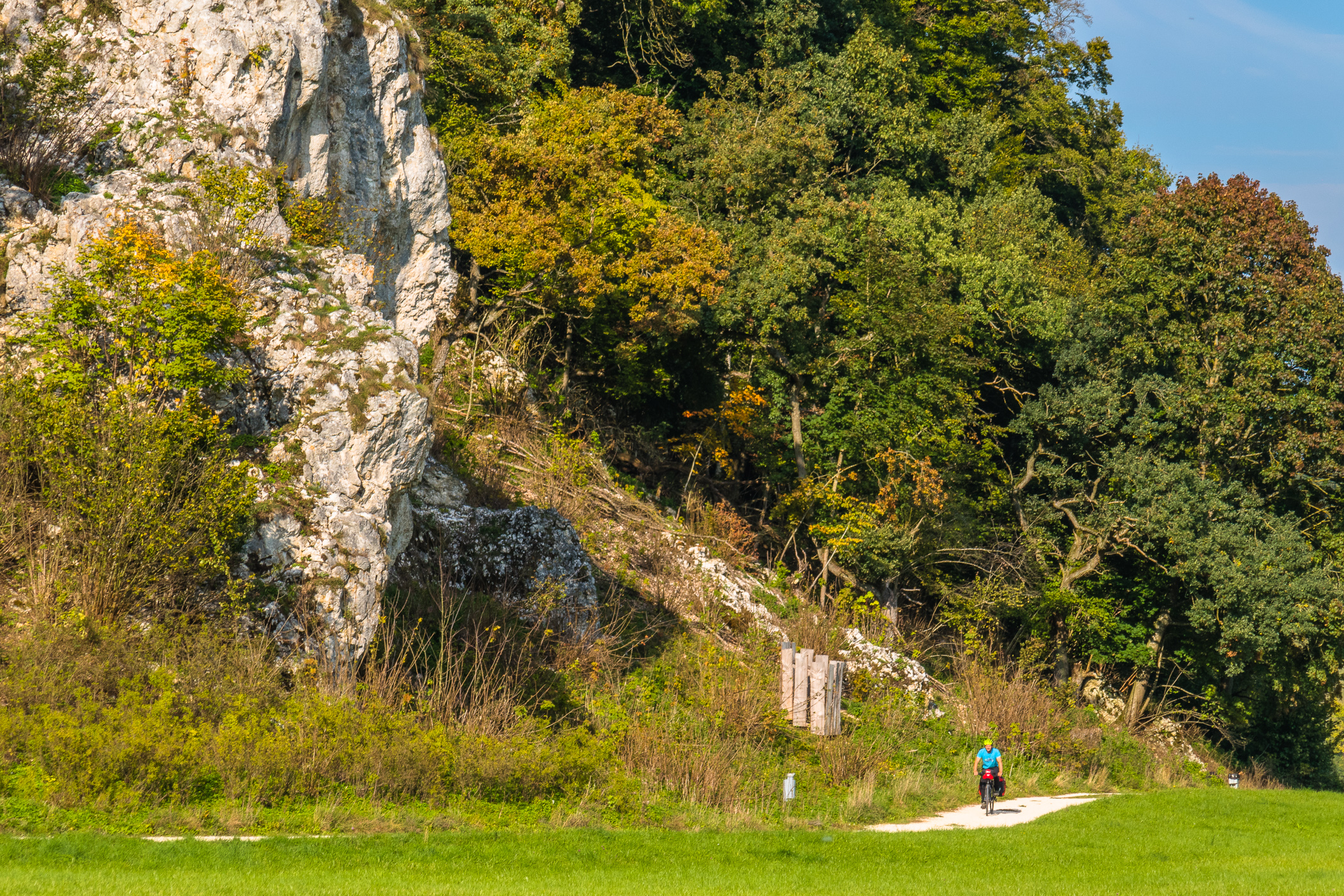 Der Kalkstein des Oberjuras prägt dir Landschaft der Schwäbischen Alb