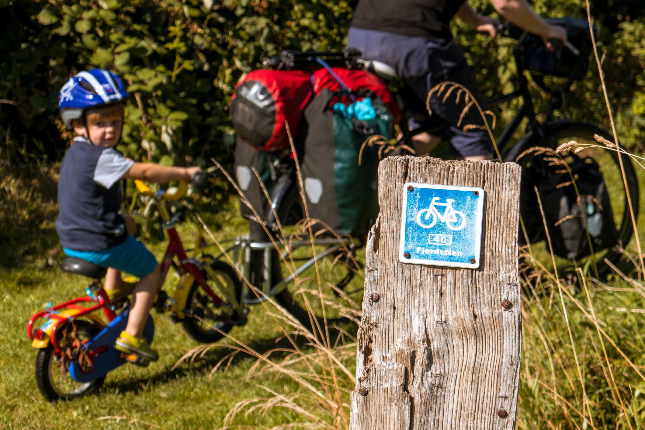 Die einsamen Feld- und Waldwege sind für Radtouren mit Kindern sehr gut geeignet.